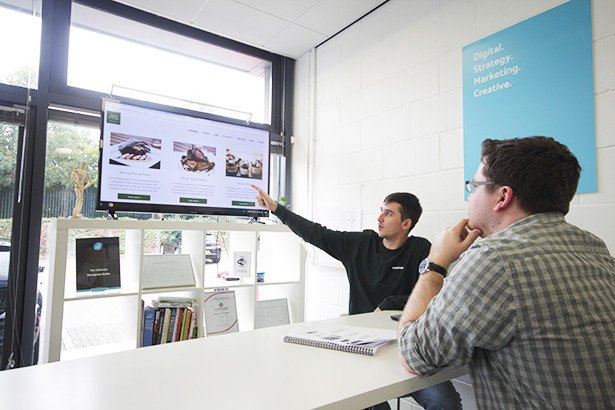 Web Developer and Marketing Assistant Discuss User Experience